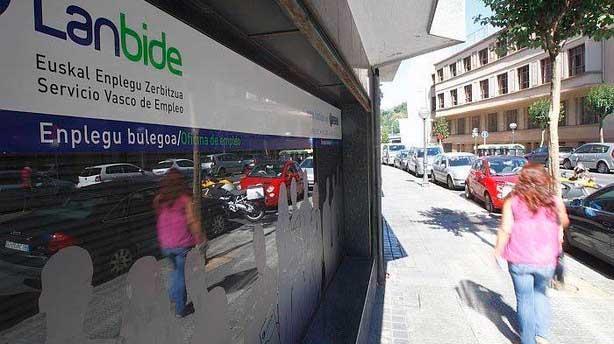 Ugt denuncia problemas de accesibilidad en la oficina for Oficinas laboral kutxa bilbao