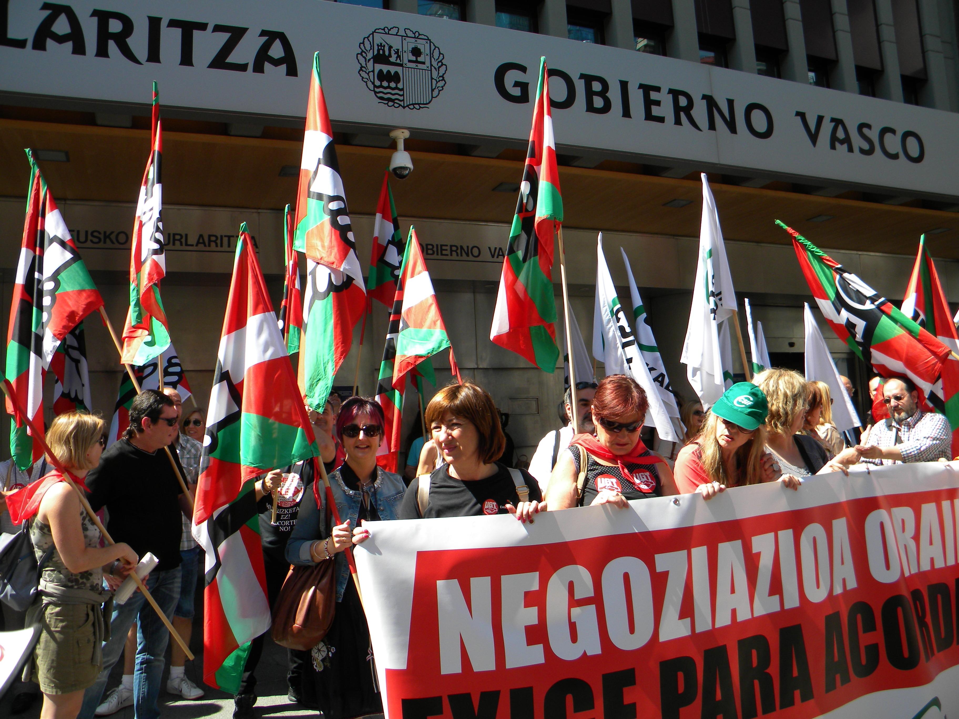 Ugt denuncia que el gobierno vasco tarda un a o en for Mesa funcion publica