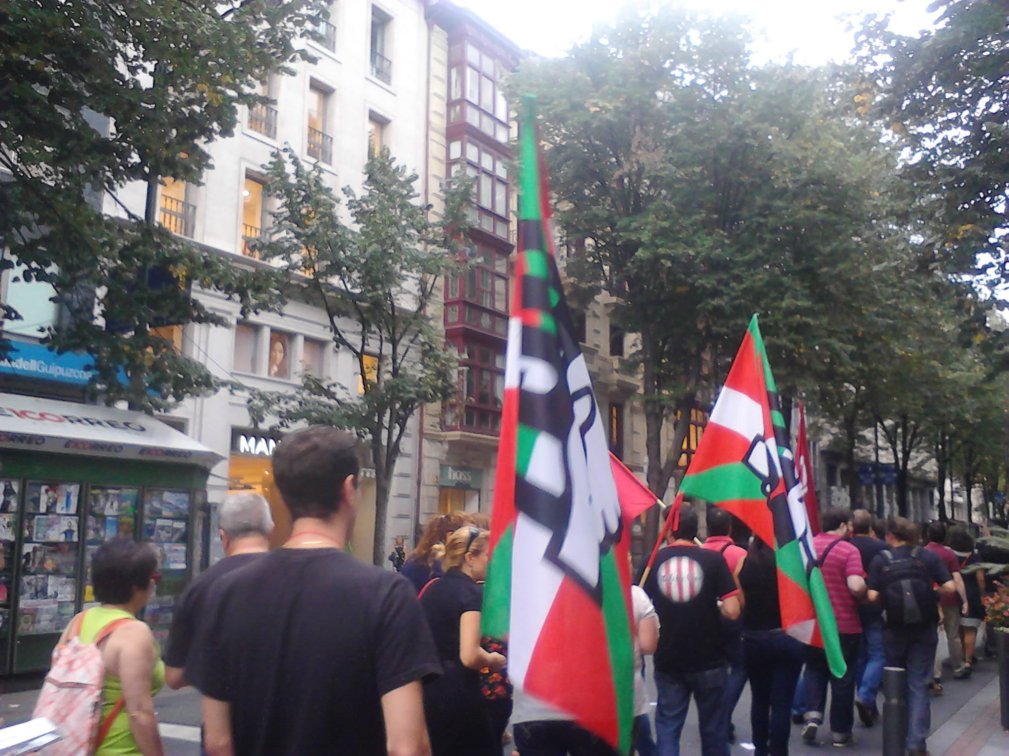 Ugt participar en la manifestaci n procesi n de oficinas for Oficinas laboral kutxa bilbao